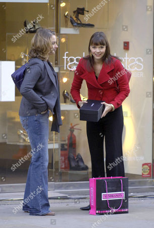 Sparks fly when Coronation Street superbitch Tracy Barlow (Kate Ford) is caught designer show shopping by Ronnie Clayton (Emma Stansfield) girlfriend of Steve McDonald who is paying Tracy maintenance money for their child.