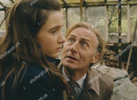 Geoffrey Bayldon, Gillian Bailey (Season 1, Episode 13 - Have a Nice Time at the Zoo, Darling)