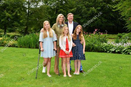 L-R: Crown Princess Catharina-Amalia, Queen Maxima, Princess Ariane, King Willem-Alexander, Princess Alexia