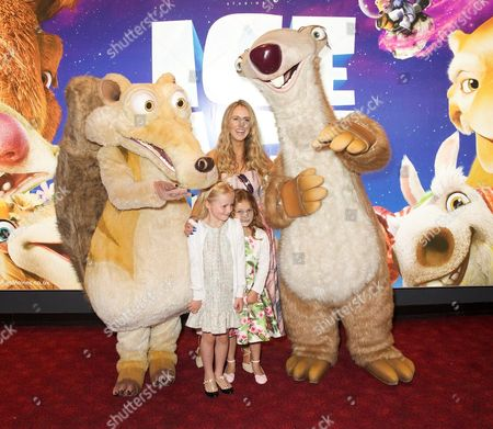 Ice Age Characters, Fleur Isted, Naomi Isted & India Fisher (friend)