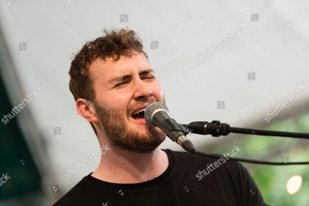 Sam Wills performing
