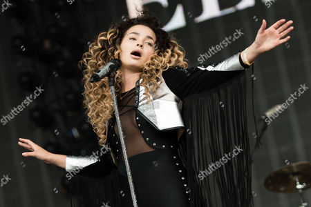 Ella Eyre (stage name for Ella McMahon) performing