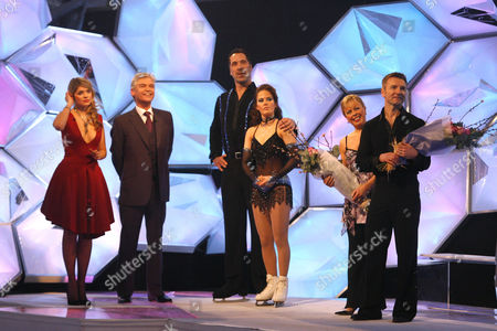 Stock Image of Holly Willoughby, Phillip Schofield, David Seaman, Pam O' Connor, Jayne Torvill and Christopher Dean