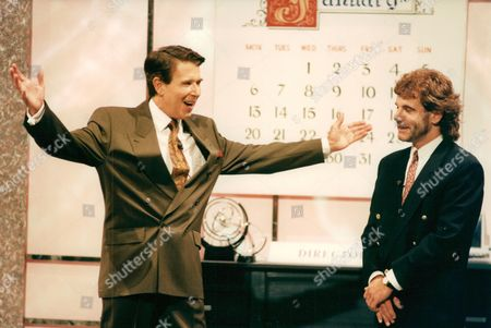 Television Programme: Stars In Their Eyes. Presenter Leslie Crowther And Contestant Frank Roache Who Impersonated Gary Glitter. Box 663 127011610 A.jpg.