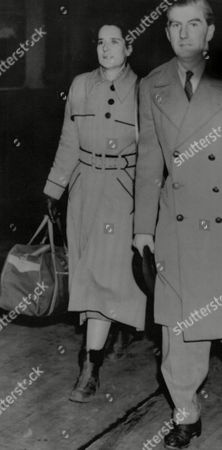 Stock Image of Lt. Col. Basil Ringrose With His Fiancee Miss Jean Alice Macdonald. Box 667 309021631 A.jpg.