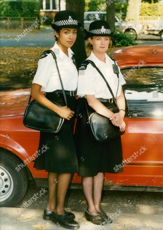 Television Programme: 'specials'. Actresses Kim Vithana (l) And Cindy O'callaghan (r). Box 671 1108031611 A.jpg.