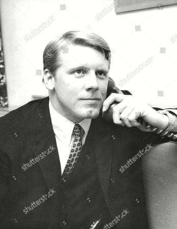 Ted Griffin Of Careers Incorporated (u.s.a.) At The Royal Garden Hotel Kensington London. Box 671 208031610 A.jpg.