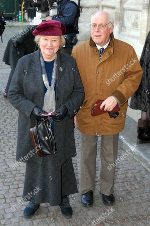 Patricia Routledge and Clive Swift