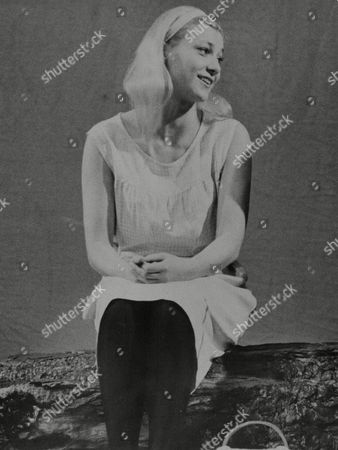 Judy Winter A Member Of The Bremen Theatre West Germany Appearing In The Play 'spring Awakening' At The Aldwych Theatre London. Box 673 62203168 A.jpg.