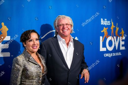 Stock Picture of Guest and Ron White