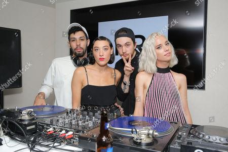Mia Moretti, Caitlin Moe, The Dolls, Arkade