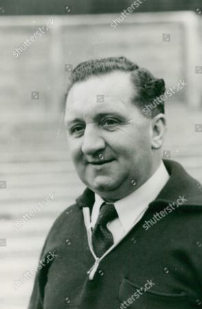 Norman Smith Newcastle Utd Fc Trainer. Box 672 115031649 A.jpg.