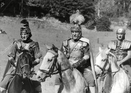 Television Programme: The Warrior Queen. Stanley Meadows (centre). Box 674 224031618 A.jpg.