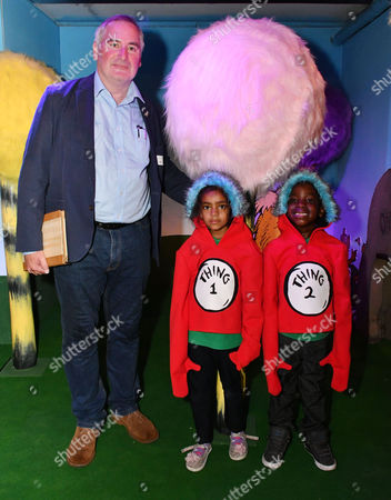 Chris Riddell and local school children