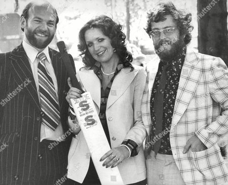 Linda Evans One Of The Prize Winners In The Evening News - Stuart Surridge Cricket Bat Competition With Her Boyfriend Graham Butt (left) Who She Is Giving The Bat To And Peter Watson Evening News Sports Editor. Box 677 405041630 A.jpg.