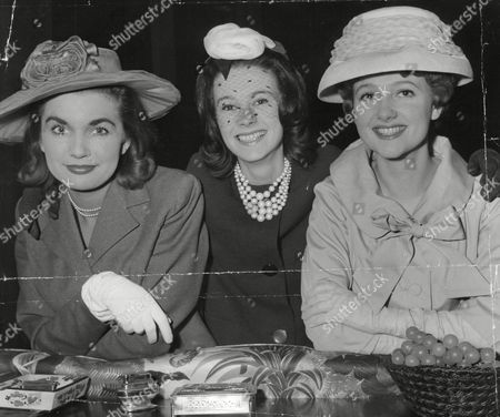 Actresses L-r: Angela Browne Margaret Mccourt And Polly Adams Who Are All Appearing In 'the Bride Comes Back2 At The Vaudeville Theatre. Box 677 505041630 A.jpg.