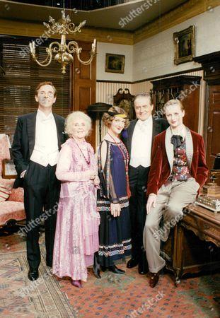 Television Programme: You Rang M'lord. (l-r) Michael Knowles Mavis Pugh Susie Brann Donald Hewlett And Kate Rabett. Box 674 112403169 A.jpg.