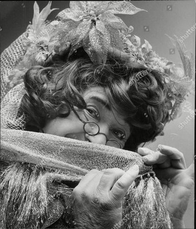 Peter Butterworth Actor Dressed As The Dame For Pantomime 'dick Whittington'. Box 678 707041648 A.jpg.