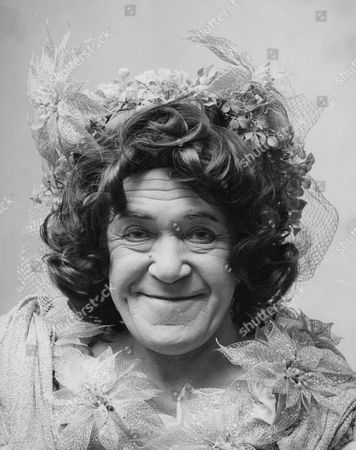 Peter Butterworth Actor Dressed As The Dame For Pantomime 'dick Whittington'. Box 678 707041649 A.jpg.