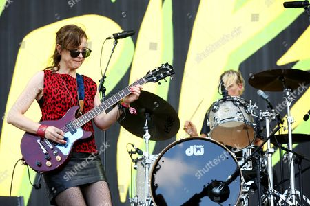 Mary Timony and Laura Harris from Ex Hex preform on the main stage
