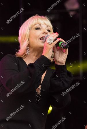 Mari Wilson performing live as part of the British Electric Foundation