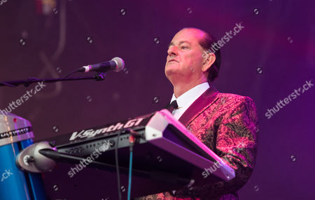 Martyn Ware performing live as part of the British Electric Foundation