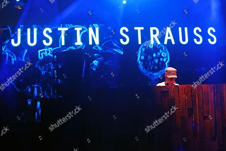 Justin Strauss performs on the Parlor stage at the Panorama Music Festival