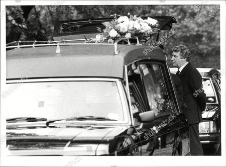 Actor Peter Adamson At The Funeral Of His Wife Jean In Burnley. Box 679 322004164 A.jpg.