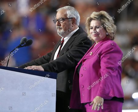 Leticia Van de Putte, right, and former Rep. Barney Frank speak during the first day of the Democratic National Convention in Philadelphia
