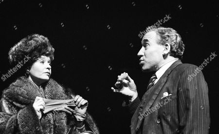 Prunella Scales ( Coral Browne ) and Simon Callow ( Anthony Burgess )