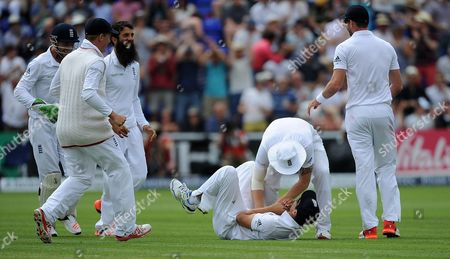 Ashes 1st Test At Cardiff. England V Australia. Day 4 Brad Haddin Out Caught By Cook Bowled By Moeen Ali Alastair Cook Brings Off A Spectacular Catch To Get Rid Of Brad Haddin England Won The First Test By 169 Runs.