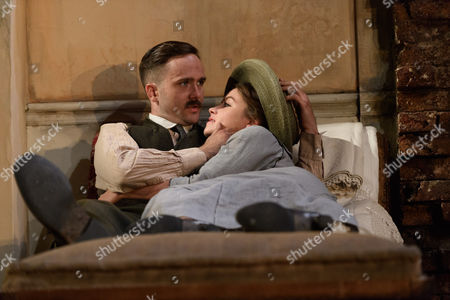 Fionn Walton (Jack Cllitheroe), Judith Roddy (Nora Clitheroe)