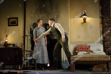 Judith Roddy (Nora Clitheroe), Fionn Walton (Jack Clitheroe)