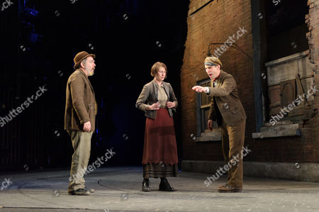 Stephen Kennedy (Fluther Good), Josie Walker (Mrs Gogan), Tom Vaughan-Lawlor (The Covey)