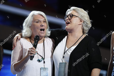 Actresses Tyne Daly, left, and Sharon Gless rehearse before the start of the third day session of the Democratic National Convention in Philadelphia