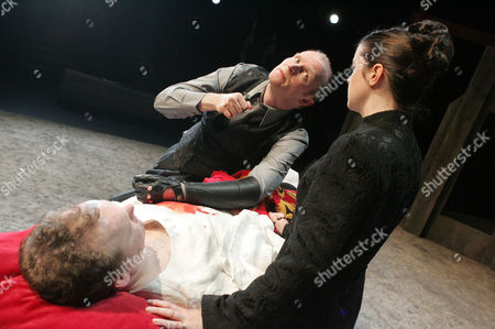 Editorial picture of 'WAR OF THE ROSES' PLAY AT THE NORTHERN BROADSIDES THEATRE, HALIFAX, YORKSHIRE, BRITAIN - 28 MAR 2006