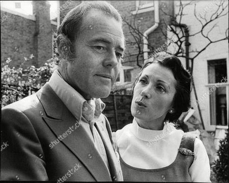 Actor Terence Alexander And Wife Juno Stevas. Box 680 226041618 A.jpg.