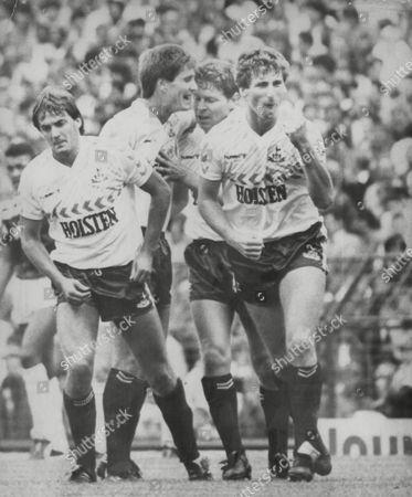 Football: Aston Villa V Tottenham Hotspur. Clive Allen (2nd Right) Is Mobbed By Team Mates Gary Mabbutt (l) Richard Gough (2nd Left) And Mark Falco (r). Box 682 628041615 A.jpg.