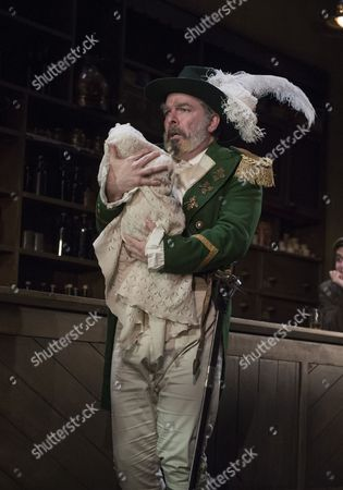 Lloyd Hutchinson as Peter,
