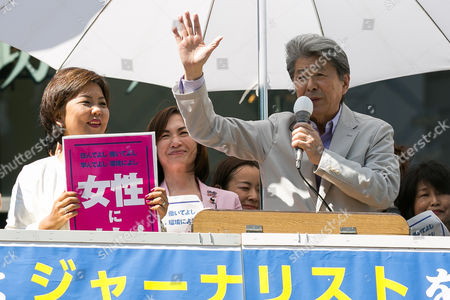 Journalist Shuntaro Torigoe campaigns outside Shibuya Station