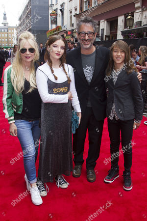 Stock Picture of Morwenna Banks, Dolly Loveday Baddiel, David Baddiel and Ezra Beckett Baddiel