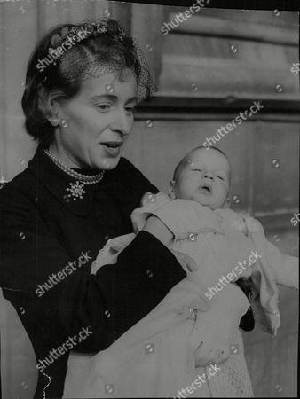 Mrs Caroline Benn Wife Of M.p. Anthony Wedgwood Benn With Their Baby Son Hilary James Benn. Box 685 918051620 A.jpg.