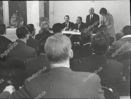 Universal Health Clubs Creditors Meeting. L-r: Stanley Crossick George Holben Philip Phillips And Miss Susan Harris. Box 685 1118051627 A.jpg.