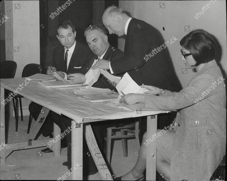 Universal Health Clubs Creditors Meeting. L-r: Stanley Crossick George Holben Philip Phillips And Miss Susan Harris. Box 685 1118051628 A.jpg.