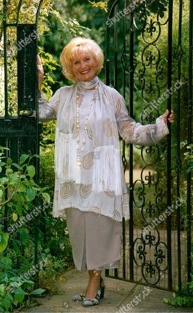 Sylvia Anderson Who Was The Lady Whom The Character Lady Penelope In The Sixties Cult Series Thunderbirds Was Based On. She Is The Former Wife Of Gerry Anderson Who Created The Series. Box 686 11905165 A.jpg.