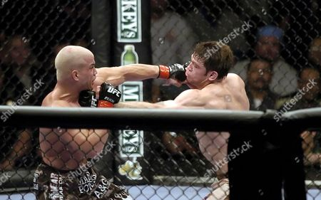 Light Heavyweight, Tito Ortiz in action against Forrest Griffin