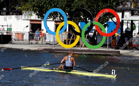 Genevra Stone, of United States, rows to shore after competing in the women's single scull heat during the 2016 Summer Olympics in Rio de Janeiro, Brazil
