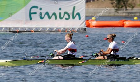 Mareike Adams a d Marie-Catherine Arnold, of Germany, compete in the women's double sculll heat during the 2016 Summer Olympics in Rio de Janeiro, Brazil