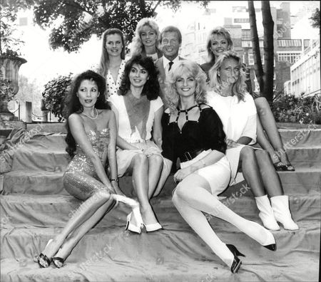 Roger Moore With 'octopussy Girls' Starring In Bond Film 'octopussy'. Joni Flynn Janine Andrews Carole Ashby Tina Robinson Caroline Seaward Mary Stavin And Alison Worth. Box 683 1104051628 A.jpg.