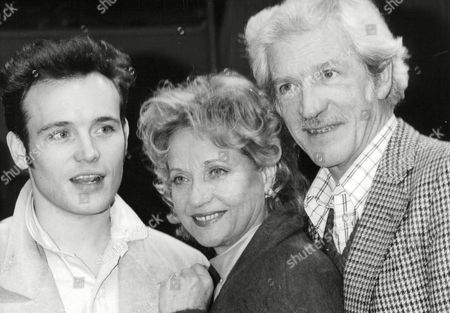 Pop Star Adam Ant With Actors Sylvia Syms And James Maxwell At The Royal Exchange Theatre Manchester. Box 688 52605167 A.jpg.